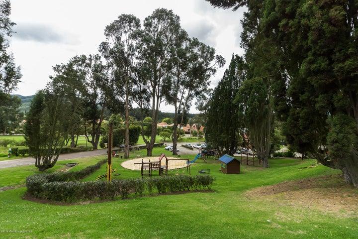 Casa Cundinamarca>Sopo>Aposentos - Venta:2.800.000.000 Pesos - codigo: 21-355