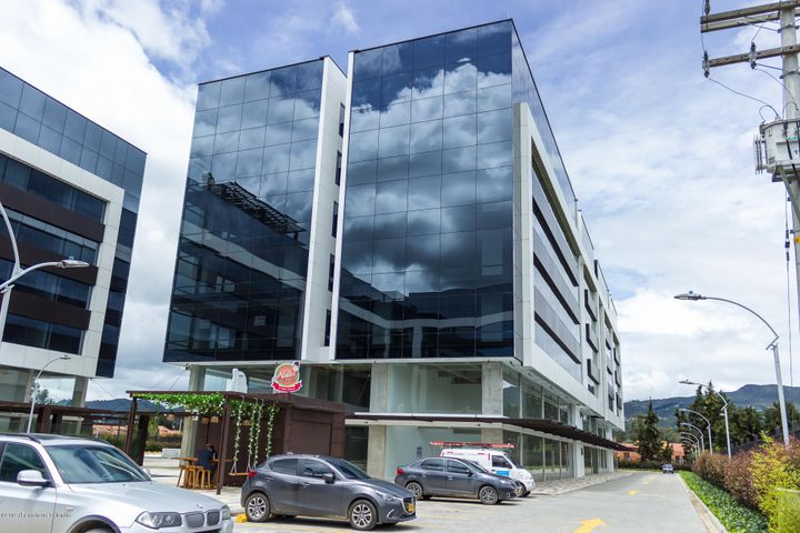 Consultorio Cundinamarca>Cajica>Calahorra - Arriendo:2.300.000 Pesos - codigo: 21-388