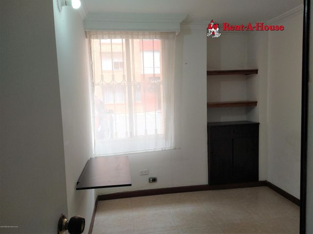 Apartamento Bogota D.C.>Bogota>Hayuelos - Venta:245.000.000 Pesos - codigo: 21-389
