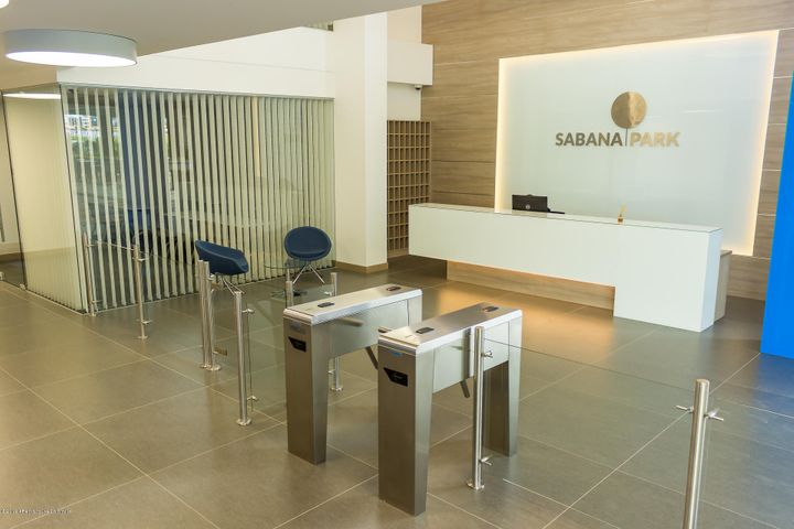 Consultorio Cundinamarca>Cajica>Calahorra - Arriendo:2.300.000 Pesos - codigo: 21-390