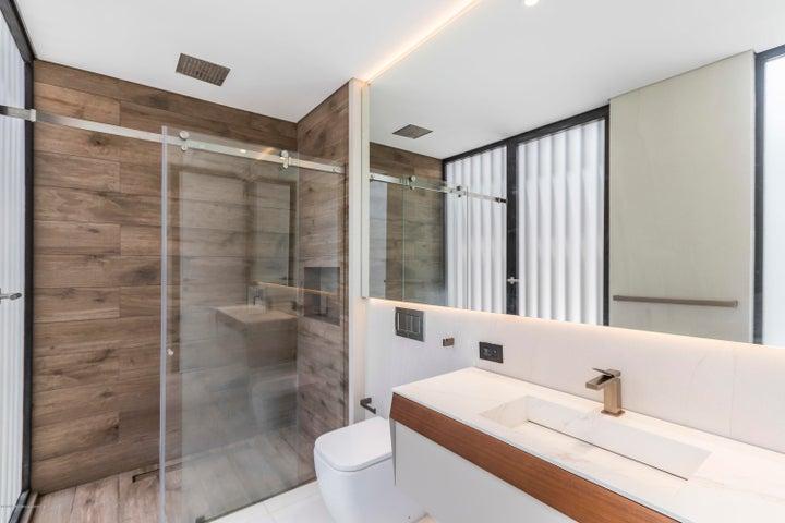Apartamento Bogota D.C.>Bogota>Chico Norte - Venta:2.800.000.000 Pesos - codigo: 21-428