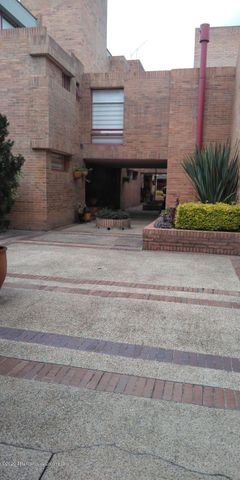 Casa Bogota D.C.>Bogota>Nueva Autopista - Venta:630.000.000 Pesos - codigo: 21-432