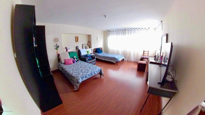 Casa Bogota D.C.>Bogota>Santa Ana Usaquen - Venta:1.300.000.000 Pesos - codigo: 21-442