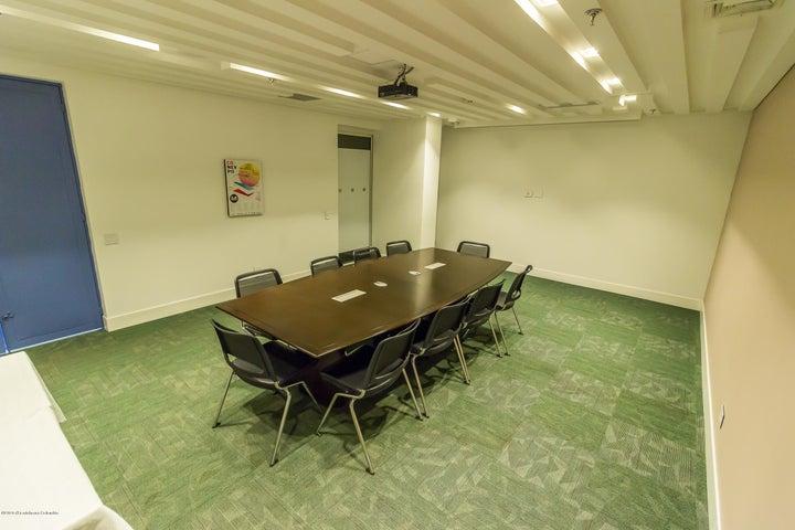 Oficina Cundinamarca>Chia>Vereda Bojaca - Arriendo:4.098.050 Pesos - codigo: 21-448