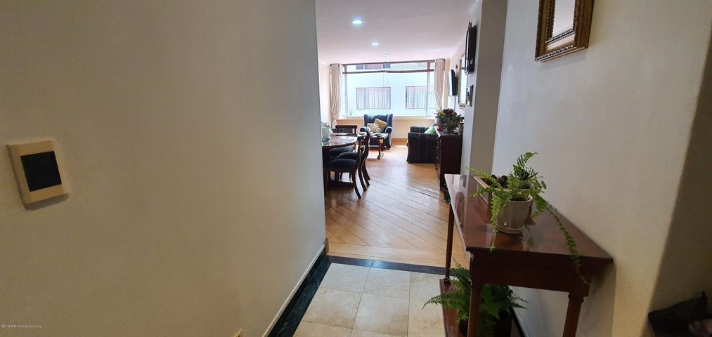 Apartamento Bogota D.C.>Bogota>Santa Barbara - Venta:500.000.000 Pesos - codigo: 21-510