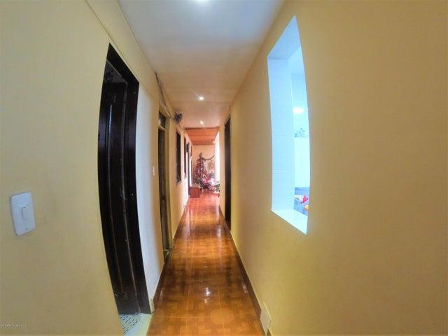 Casa Bogota D.C.>Bogota>7 de Agosto - Venta:1.000.000.000 Pesos - codigo: 21-562