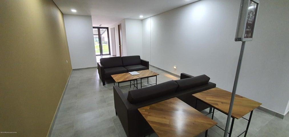 Apartamento Antioquia>Envigado>Loma del Escobero - Venta:369.536.900 Pesos - codigo: 21-608