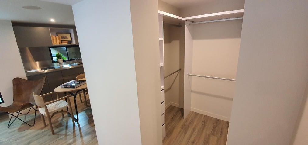Apartamento Bogota D.C.>Bogota>San Martin - Venta:387.703.255 Pesos - codigo: 21-626