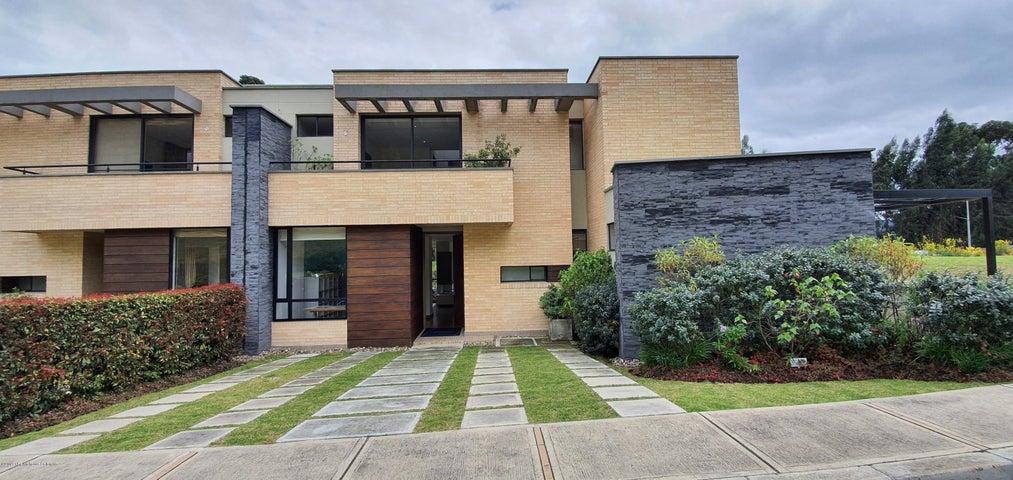 Casa Cundinamarca>Cajica>Capellania - Venta:1.131.140.755 Pesos - codigo: 21-653