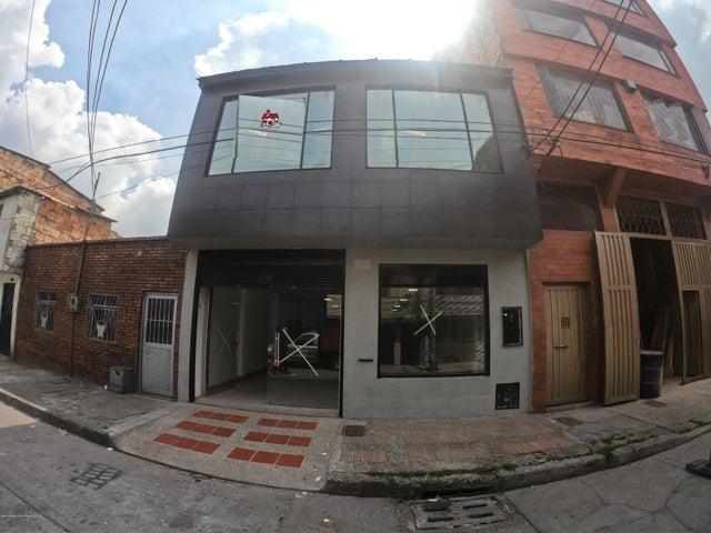 Local Comercial Bogota D.C.>Bogota>Los Cerezos - Arriendo:7.310.000 Pesos - codigo: 21-655
