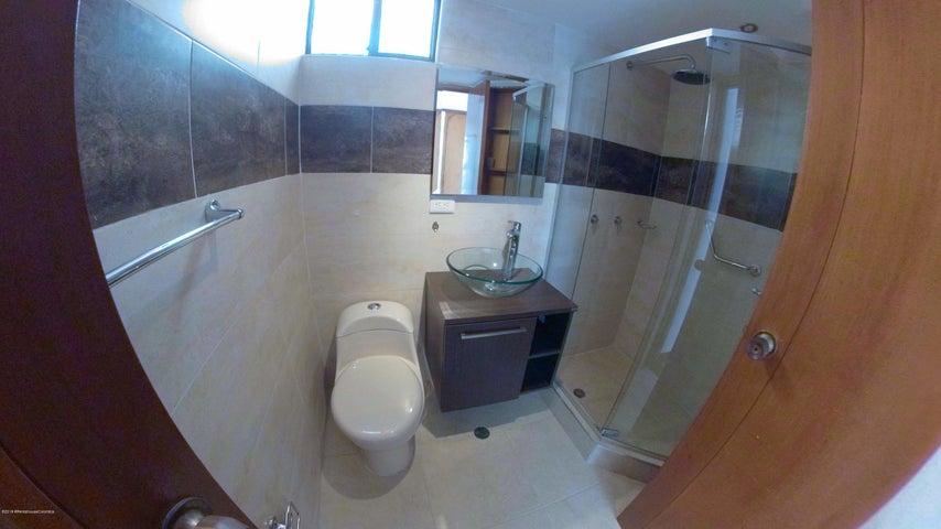 Apartamento Bogota D.C.>Bogota>Santa Barbara Central - Venta:750.000.000 Pesos - codigo: 21-699