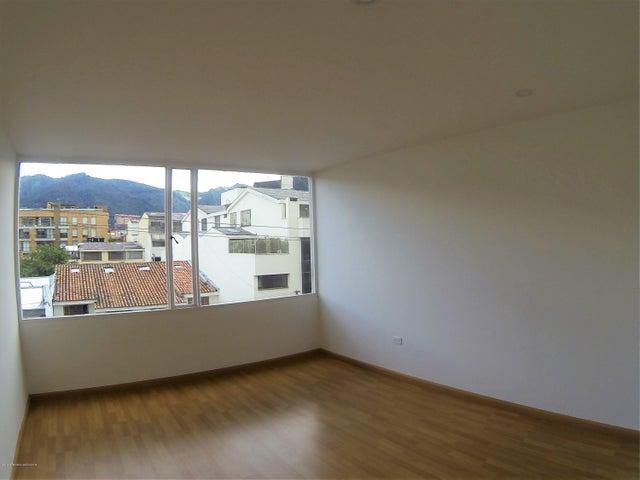 Apartamento Bogota D.C.>Bogota>Santa Barbara Central - Venta:750.000.000 Pesos - codigo: 21-701
