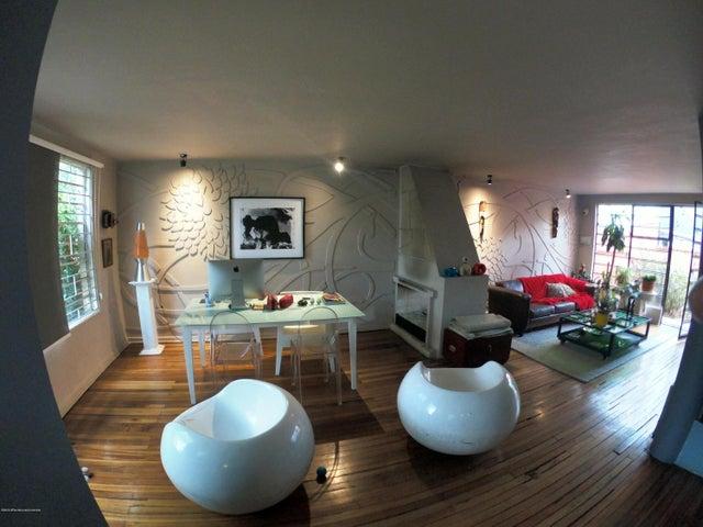Casa Bogota D.C.>Bogota>La Soledad - Venta:1.100.000.000 Pesos - codigo: 21-733