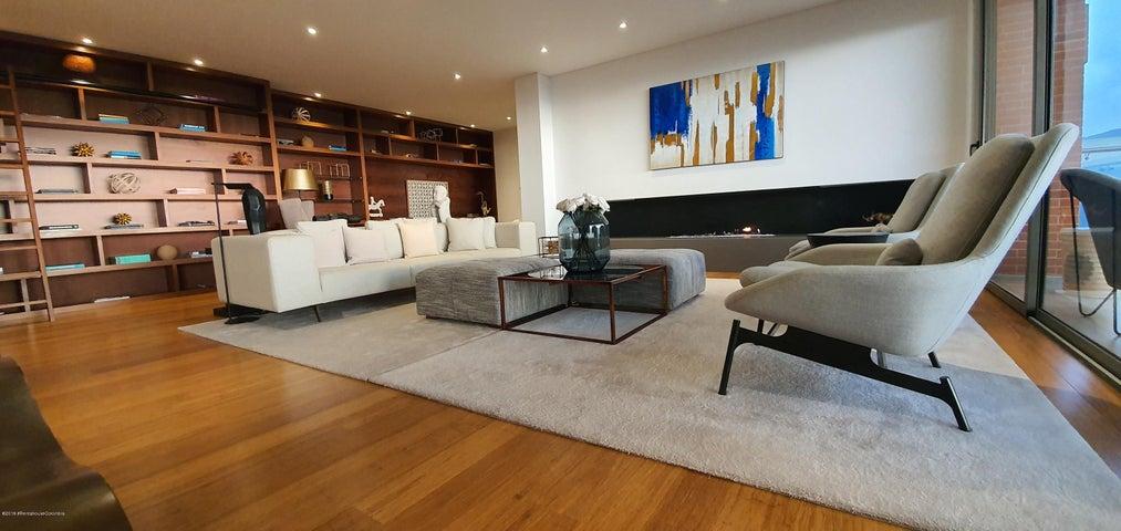 Apartamento Bogota D.C.>Bogota>Santa Ana Usaquen - Venta:3.979.837.600 Pesos - codigo: 21-761
