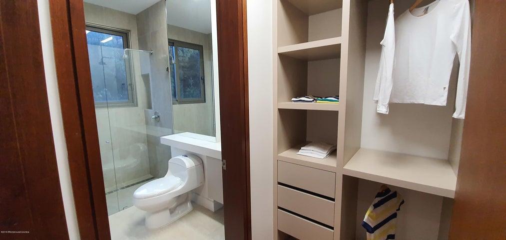 Apartamento Bogota D.C.>Bogota>Santa Ana Usaquen - Venta:4.055.205.600 Pesos - codigo: 21-762