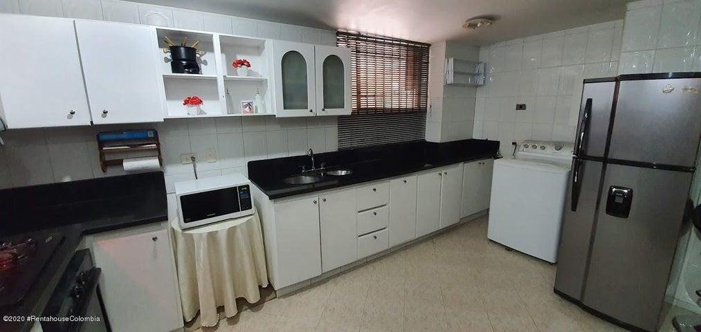 Apartamento Bogota D.C.>Bogota>Chico - Venta:800.000.000 Pesos - codigo: 21-774