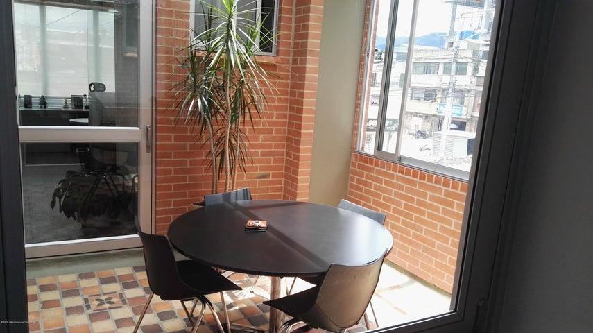 Oficina Bogota D.C.>Bogota>La Merced Norte - Arriendo:3.864.000 Pesos - codigo: 21-806