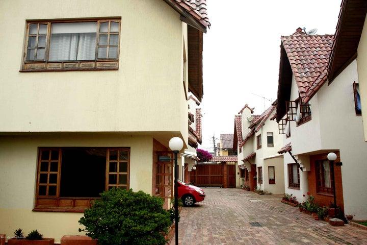 Casa Cundinamarca>Chia>Sabana Centro - Venta:390.000.000 Pesos - codigo: 21-808