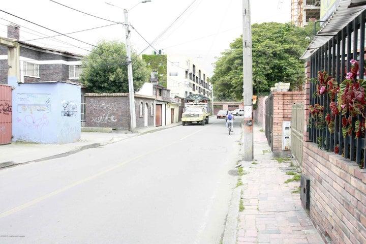 Casa Cundinamarca>Chia>20 de Julio - Venta:700.000.000 Pesos - codigo: 21-823