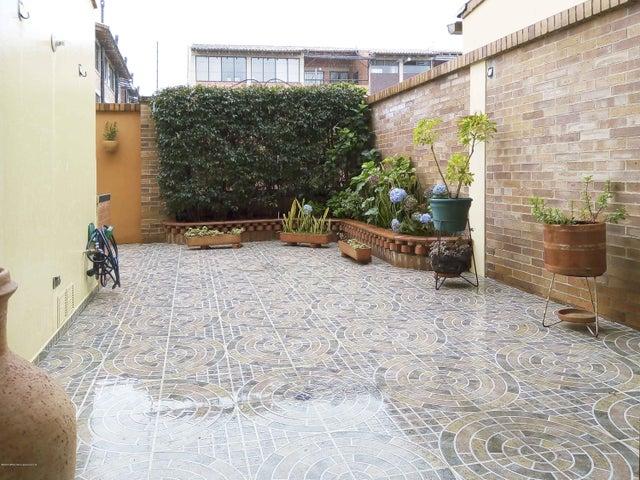 Casa Cundinamarca>Chia>20 de Julio - Venta:750.000.000 Pesos - codigo: 21-826