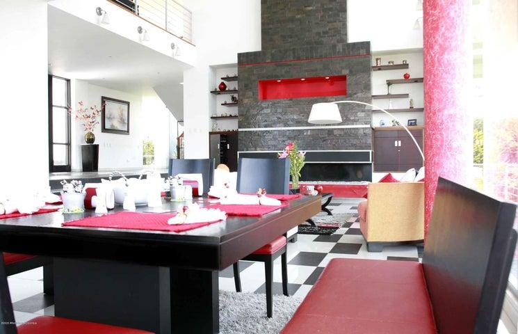 Casa Cundinamarca>Chia>Cerros de Yerbabuena - Venta:2.200.000.000 Pesos - codigo: 21-838