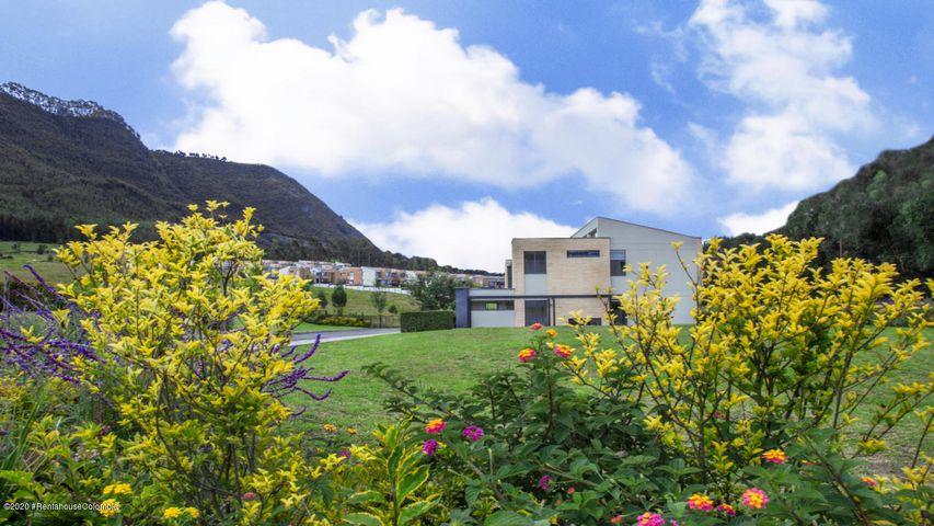 Casa Cundinamarca>Cajica>Capellania - Venta:1.053.000.000 Pesos - codigo: 21-730