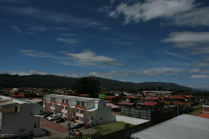 Oficina Cundinamarca>Cajica>Vereda Canelon - Arriendo:1.400.000 Pesos - codigo: 21-846
