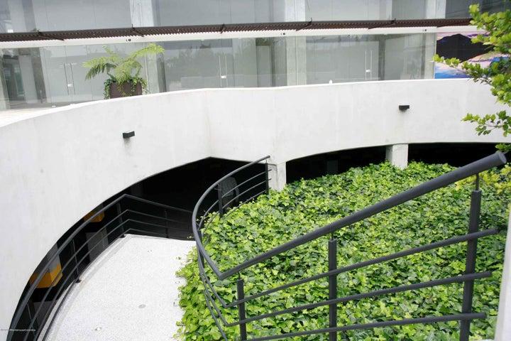 Oficina Cundinamarca>Cajica>Calahorra - Arriendo:2.500.000 Pesos - codigo: 21-850