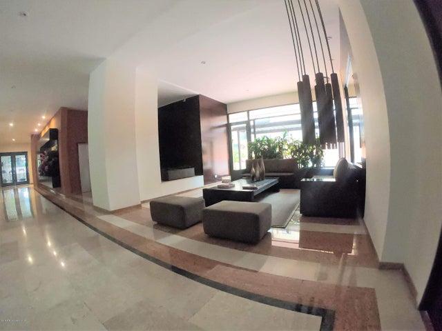 Apartamento Bogota D.C.>Bogota>La Carolina - Venta:2.400.000.000 Pesos - codigo: 21-882