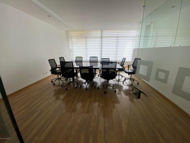 Apartamento Bogota D.C.>Bogota>Chico - Venta:450.000.000 Pesos - codigo: 21-940