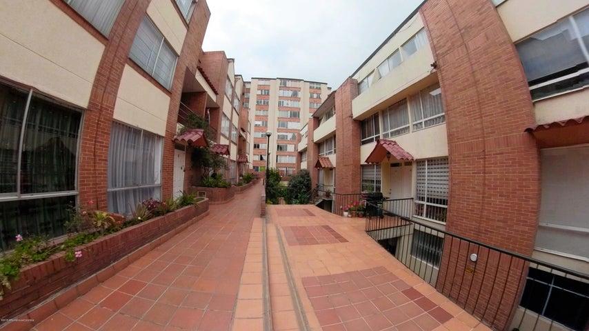 Casa Bogota D.C.>Bogota>Santa Teresa - Venta:380.000.000 Pesos - codigo: 21-1009