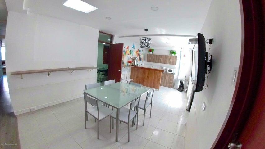 Oficina Bogota D.C.>Bogota>La Castellana - Arriendo:2.800.000 Pesos - codigo: 21-1026