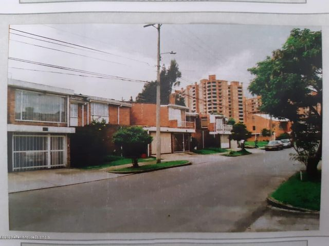 Casa Bogota D.C.>Bogota>Niza - Arriendo:3.300.000 Pesos - codigo: 21-1069