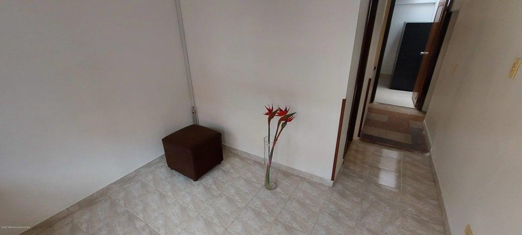 Apartamento Bogota D.C.>Bogota>Galerias - Arriendo:1.000.000 Pesos - codigo: 21-1124