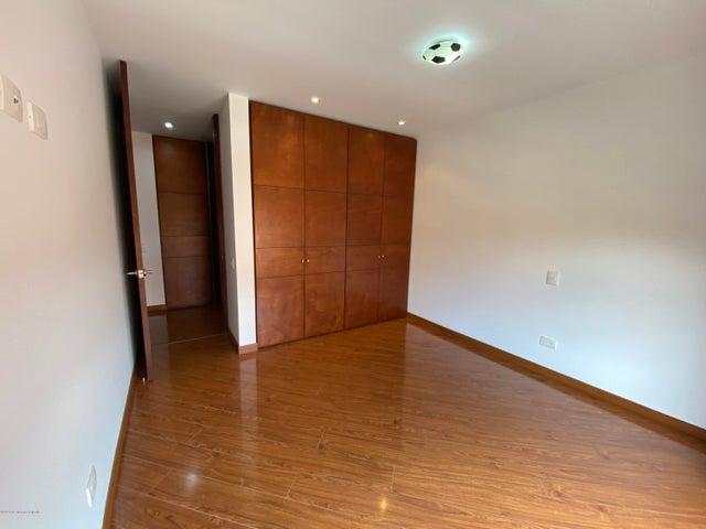 Apartamento Bogota D.C.>Bogota>Santa Barbara Occidental - Venta:980.000.000 Pesos - codigo: 21-1141