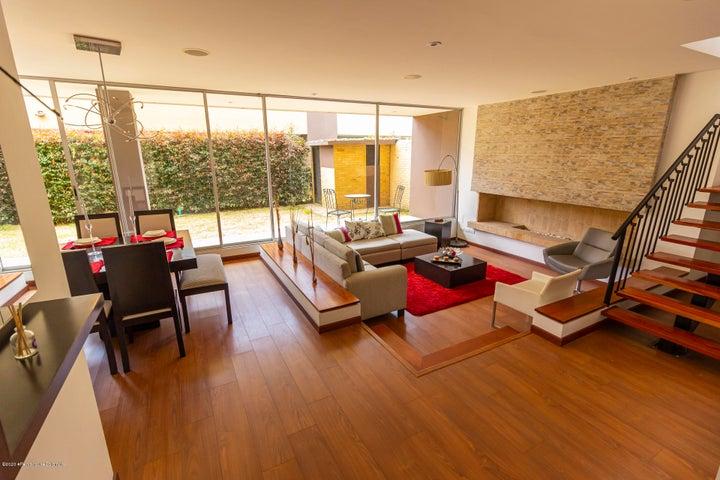 Casa Cundinamarca>Cajica>El Tejar - Venta:990.000.000 Pesos - codigo: 21-1203