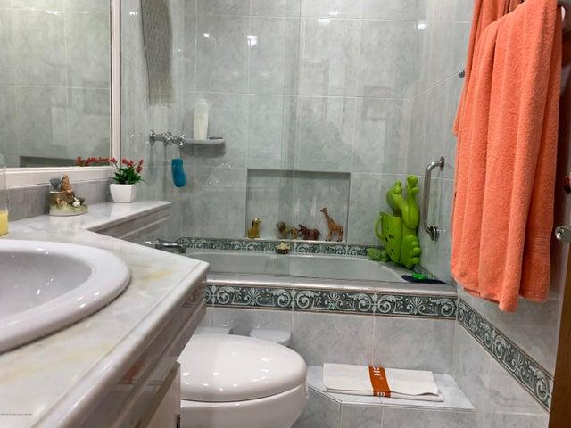 Apartamento Bogota D.C.>Bogota>Bosque de Pinos - Arriendo:12.000.000 Pesos - codigo: 21-1232