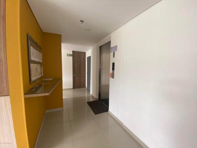 Apartamento Bogota D.C.>Bogota>Gran America - Venta:490.000.000 Pesos - codigo: 21-1268
