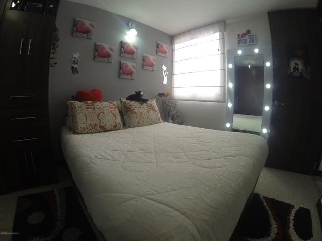 Apartamento Bogota D.C.>Bogota>Nueva Castilla - Venta:260.000.000 Pesos - codigo: 21-1290