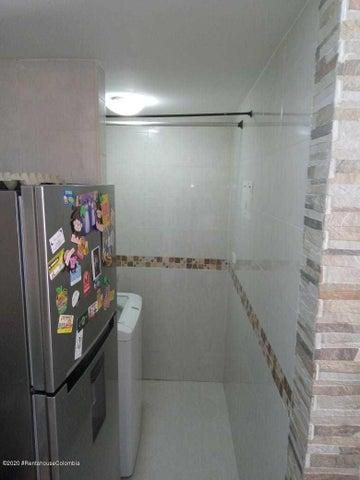 Apartamento Antioquia>Medellin>Rodeo Alto - Venta:200.000.000 Pesos - codigo: 21-1318