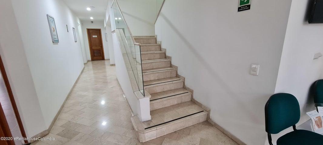Consultorio Antioquia>Medellin>Laureles - Venta:1.800.000.000 Pesos - codigo: 21-1359
