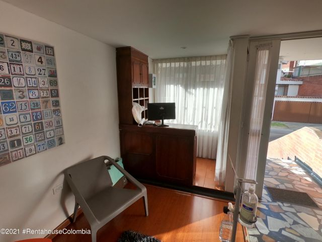 Apartamento Bogota D.C.>Bogota>Santa Barbara - Venta:590.000.000 Pesos - codigo: 21-1606