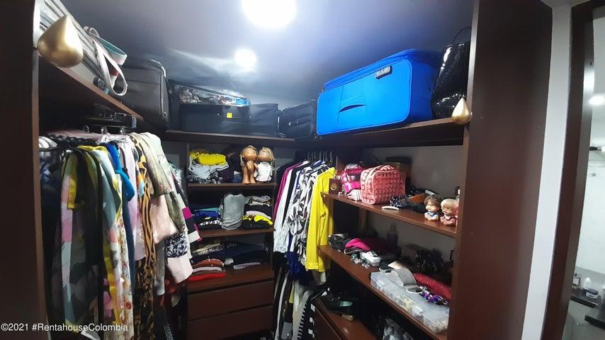 Apartamento Bogota D.C.>Bogota>Alejandria - Venta:890.000.000 Pesos - codigo: 21-1741