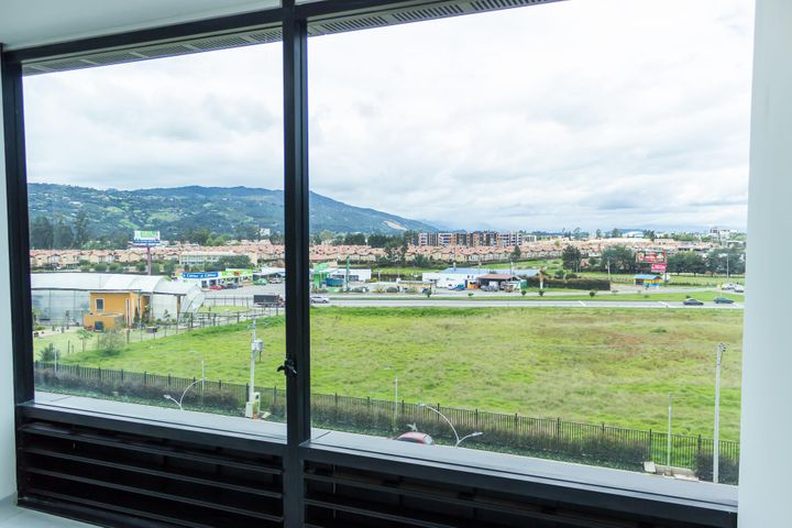 Consultorio Cundinamarca>Cajica>Vereda Calahorra - Venta:320.000.000 Pesos - codigo: 21-1772