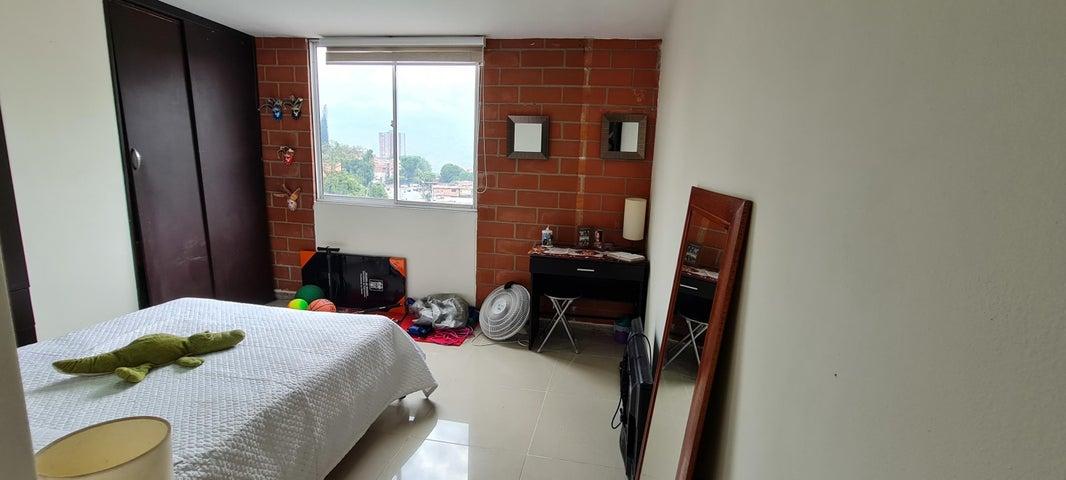 Apartamento Antioquia>Medellin>Pilarica II - Venta:320.000.000 Pesos - codigo: 21-1804