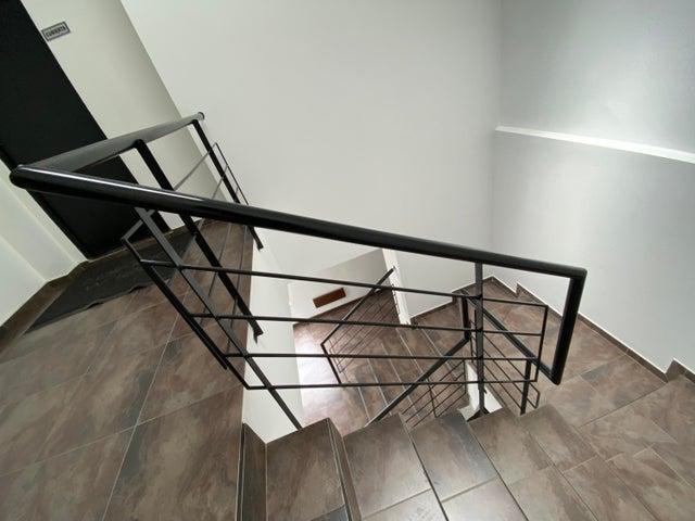 Apartamento Bogota D.C.>Bogota>Santa Barbara - Arriendo:2.900.000 Pesos - codigo: 21-1808
