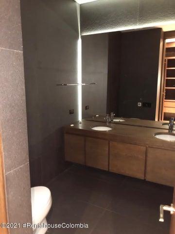 Apartamento Bogota D.C.>Bogota>El Retiro - Venta:2.900.000.000 Pesos - codigo: 21-1875