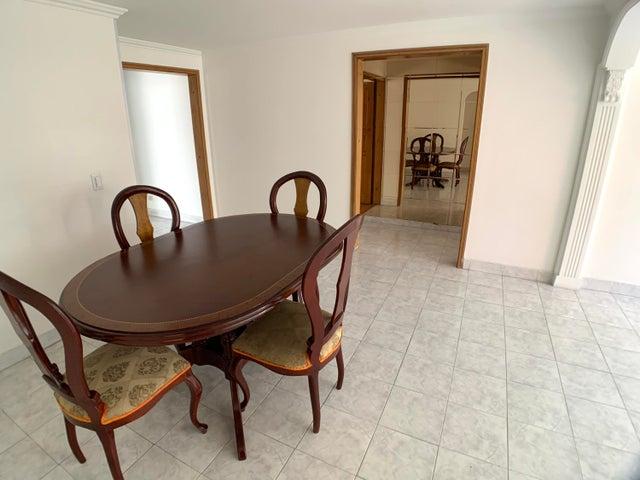 Apartamento Bogota D.C.>Bogota>Santa Barbara - Venta:545.000.000 Pesos - codigo: 21-1879