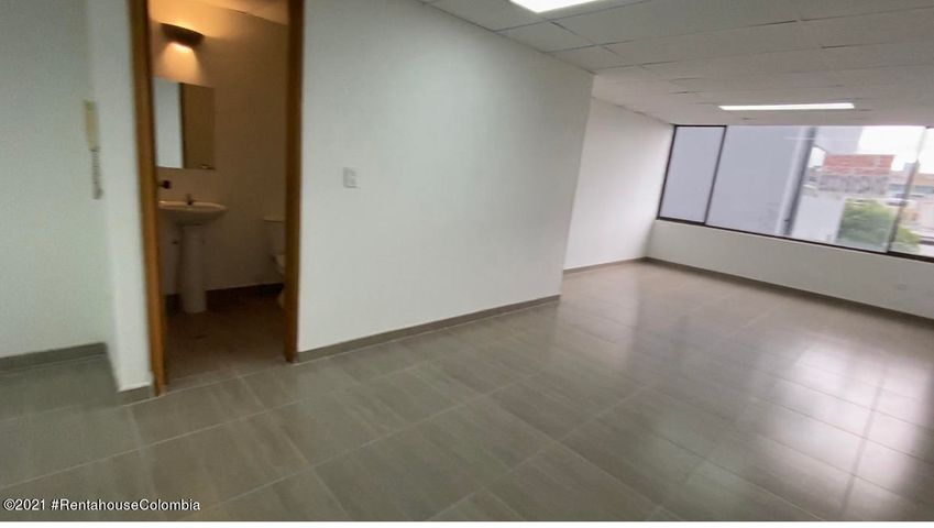 Oficina Bogota D.C.>Bogota>Chico Reservado - Arriendo:2.800.000 Pesos - codigo: 21-1899