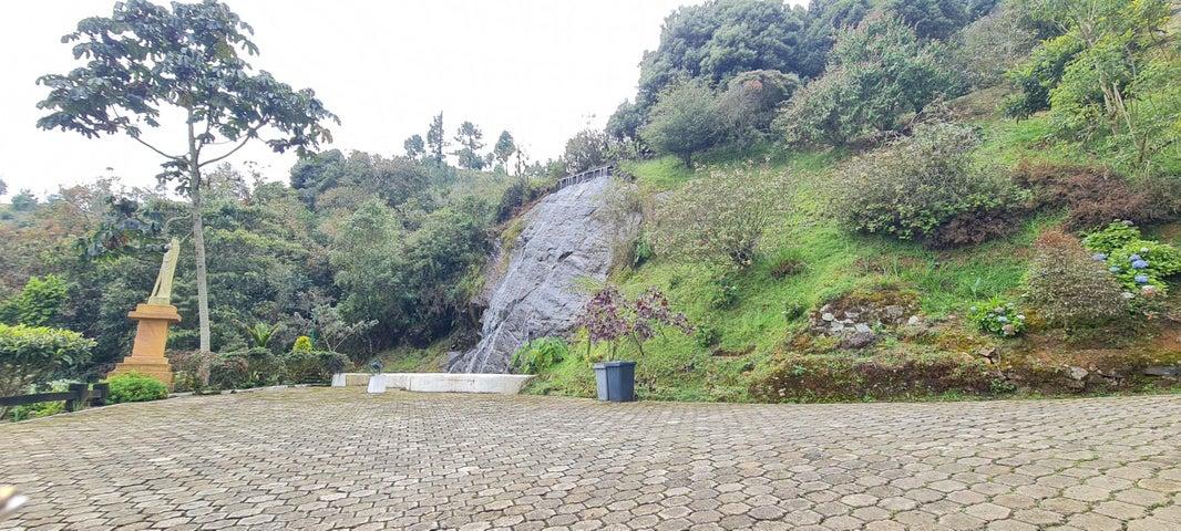 Casa Antioquia>Medellin>Corregimiento Santa Elena - Venta:3.700.000.000 Pesos - codigo: 21-1952